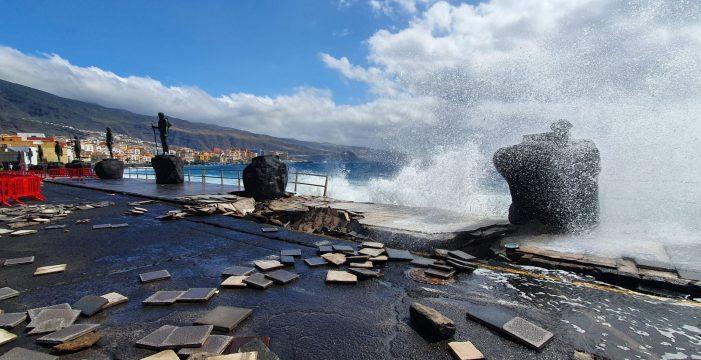 Candelaria ordena obras urgentes en el paseo con esculturas de los guanches