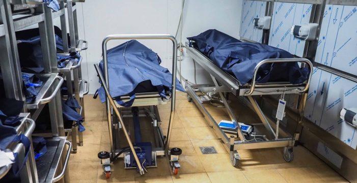 """Los 24 cadáveres del cayuco de Los Cristianos todavía no han sido enterrados: """"Están en estado de putrefacción"""""""