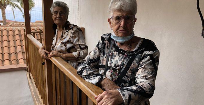 """Araceli y Guadalupe, aroneras de 93 y 90 años: """"Antes había más respeto a la hora de vestir, con los padres y con todo"""""""
