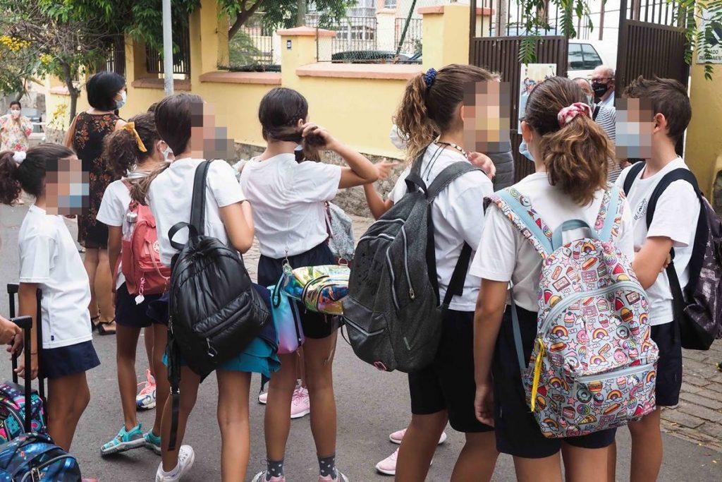 Canarias propone vacunar a los menores con el inicio del curso