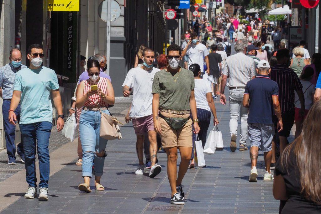 La situación epidemiológica de Tenerife sigue preocupando y registra el 71% de los positivos este miércoles. SERGIO MÉNDEZ