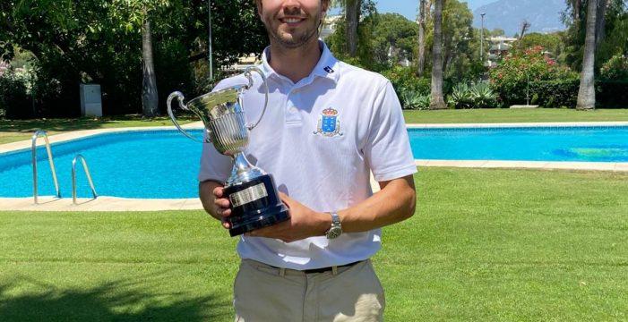 Álvaro Hernández Cabezuela, talento al servicio del golf canario