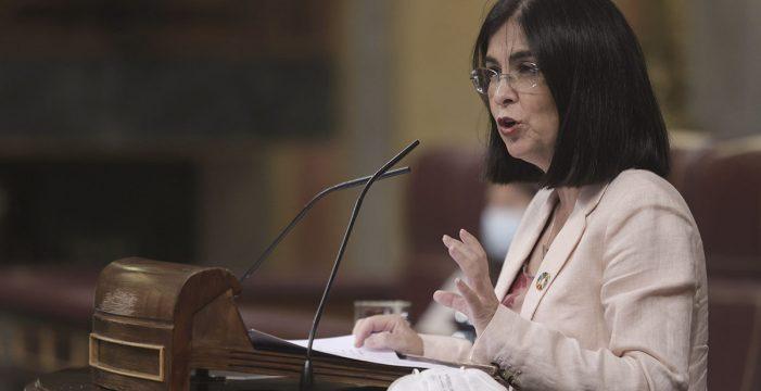 """Carolina Darias avisa a las comunidades: """"En España no es obligatorio vacunarse"""""""