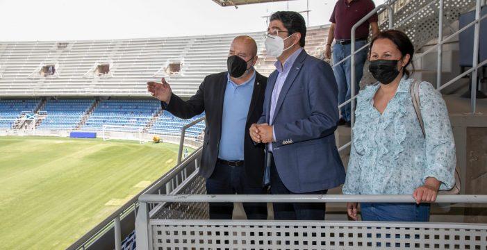 El Cabildo agiliza las obras para que el Heliodoro Rodríguez López tenga las luminarias nuevas en septiembre