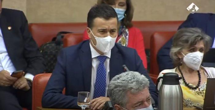 El tinerfeño Héctor Gómez enfrenta el PP con sus contradicciones respecto a Cuba y le lanza una seria advertencia