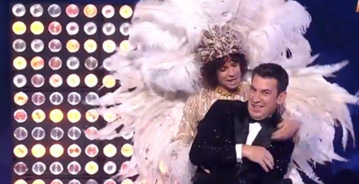 """Ha vuelto a pasar, ahora, en Mask Singer: """"¡Muyayos! ¡La Reina Canaria se llama 'Queen Ambrosía!"""""""