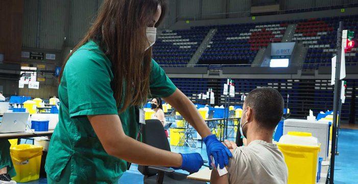 La tercera dosis para inmunodeprimidos se empieza a inocular en España mañana