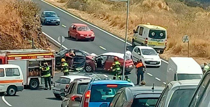 Cuatro personas heridas al colisionar dos vehículos en La Palma
