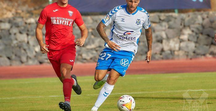 El Tenerife se pone serio y acaba goleando a un buen CD Águilas