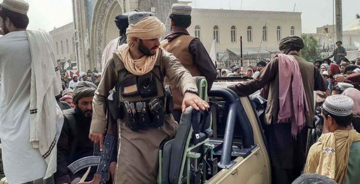 Se acabó la huida: los talibanes no dejarán marchar a ningún afgano