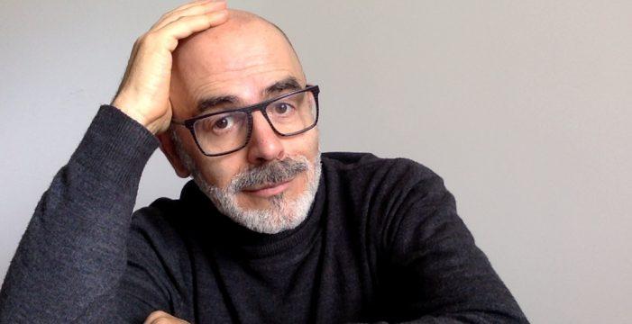 El escritor tinerfeño Santiago Díaz-Bravo publica 'Las intrusas'