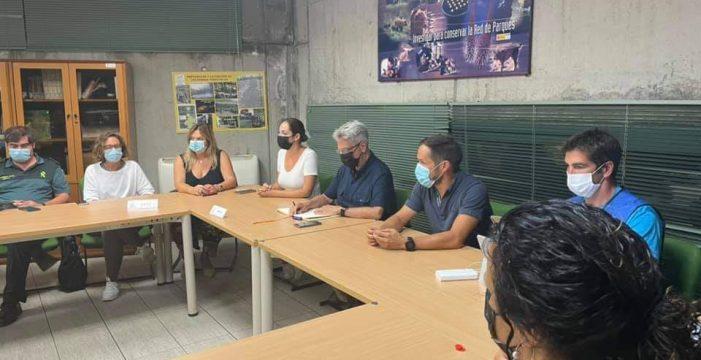 """García, jefe de extinción: """"Somos moderadamente optimistas porque el fuego sigue muy activo"""""""