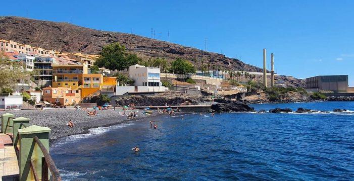 Cierran al baño las playas de Las Caletillas y Punta Larga
