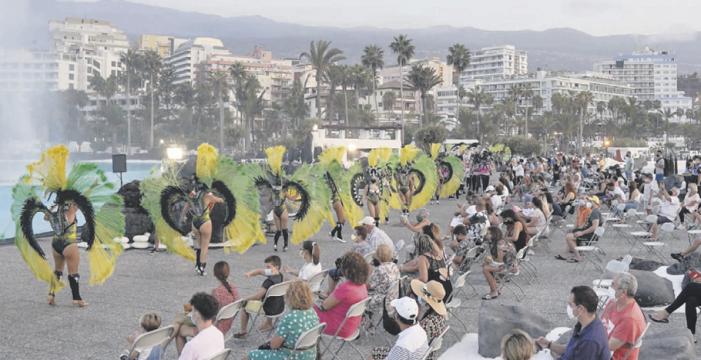Así fue el primer coso de Carnaval en la pandemia, celebrado en el Puerto de la Cruz