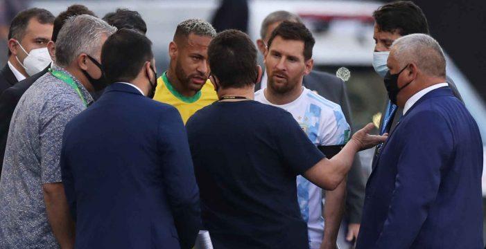 Escándalo en el Brasil – Argentina: amenaza de suspensión por querer deportar a cuatro jugadores en pleno partido