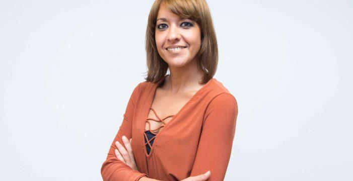 Muere a los 38 años la periodista Elia Rodríguez al sufrir una caída en su casa