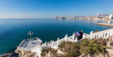 Muere una joven española tras despeñarse 30 metros mientras se hacía un selfi