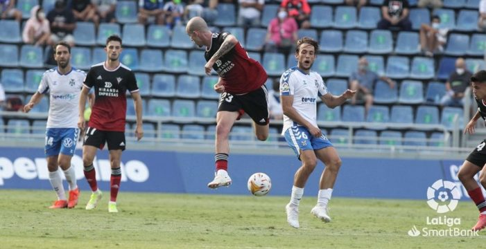 Injusta derrota de un Tenerife que no mereció perder su imbatibilidad (1-2)