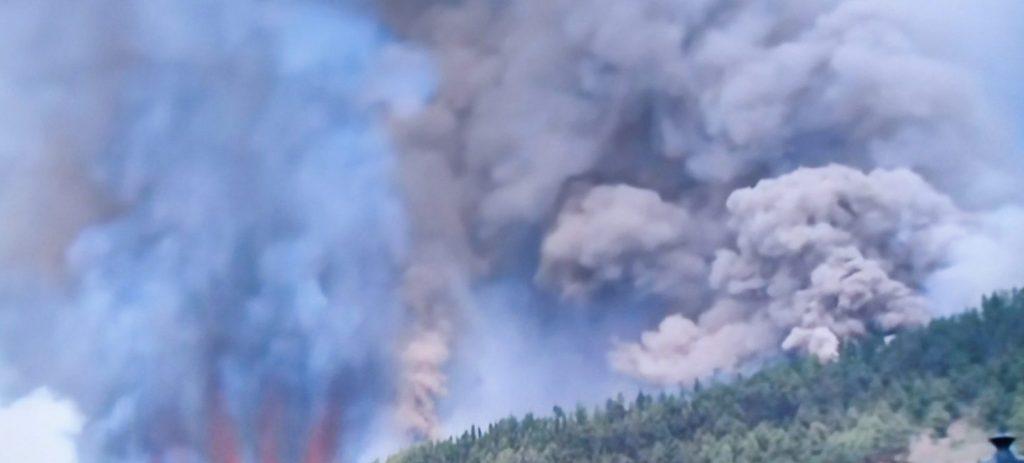 Una de las nuevas bocas de la erupción en Cumbre Vieja. TVC