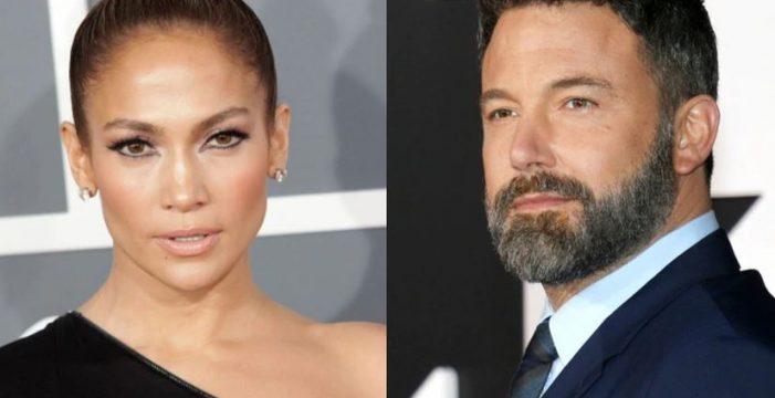 Jennifer López y Ben Affleck acaparan todas las miradas en su primer posado oficial
