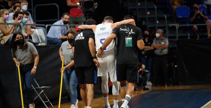 Calor y resbalones en el Santiago Martín: la peor cara de la Supercopa