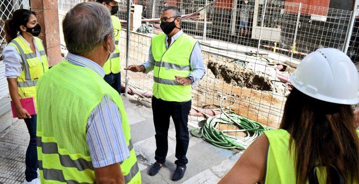 El avance en la obra de Imeldo Serís permitirá acabar con el mal olor en la calle la próxima semana