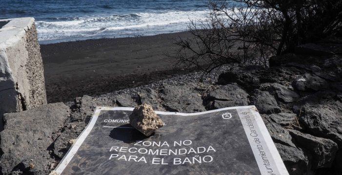 Prohibido el baño en toda la costa de Candelaria y Arafo por los vertidos