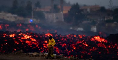 Los científicos empiezan a dudar de que la lava llegue al mar