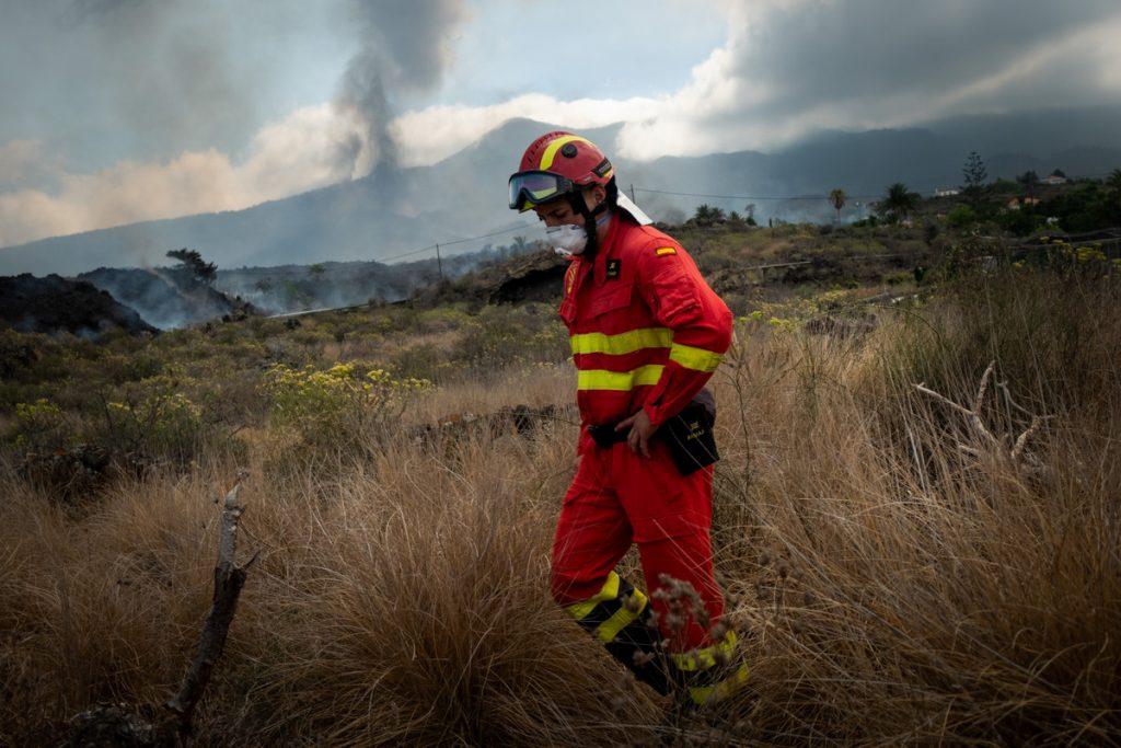La cifra de evacuados en La Palma asciende hasta las 5.700 personas.   Fran Pallero