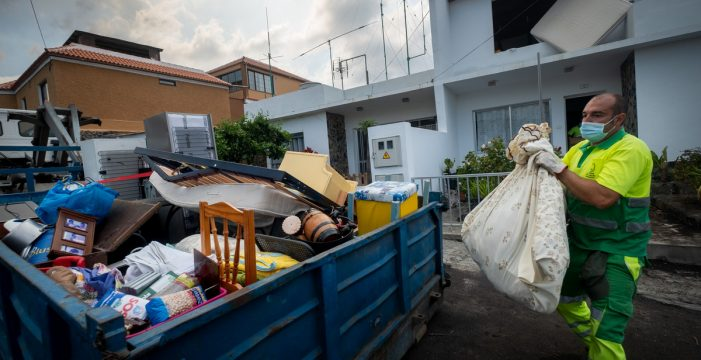 """Un decreto ley creará un registro único de atención a los afectados por el volcán que """"eliminará papeleo"""""""