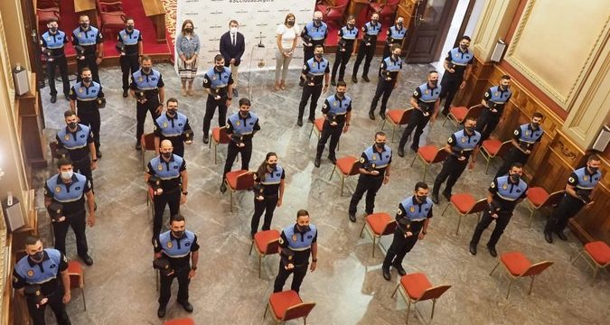 Los nuevos 30 agentes policiales santacruceros en prácticas inician su formación