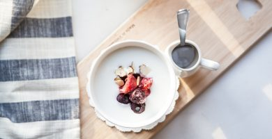 Hay un alimento que evita el efecto secundario más desagradable de los antibióticos