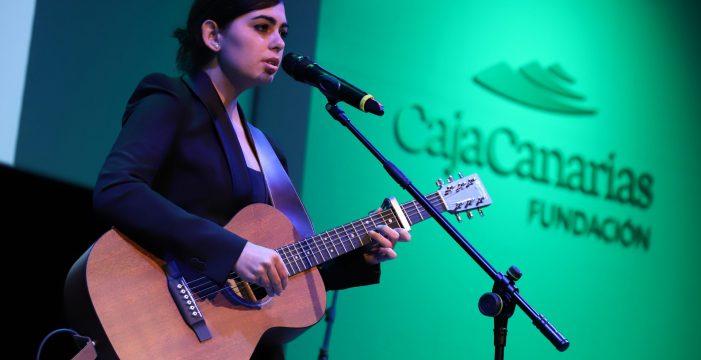 Paula Espinosa ofrece un concierto en el Otoño Cultural CajaCanarias