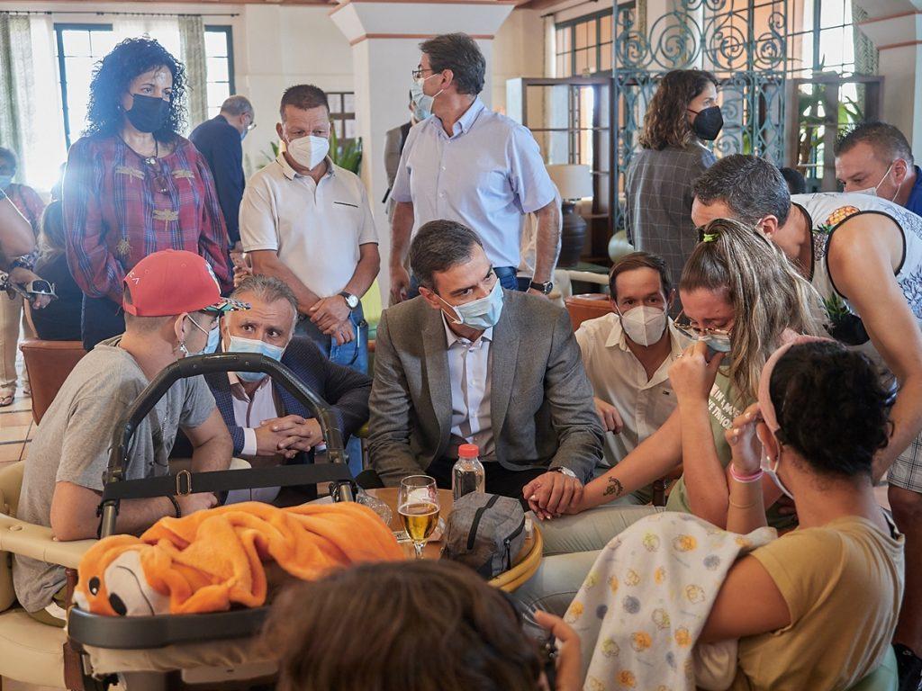 Pedro Sánchez en La Palma. Toni Cuadrado / Europa Press