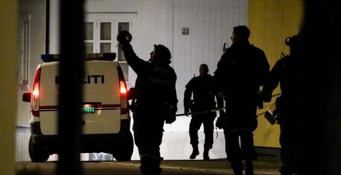 Escuadrones bomba y helicópteros para detener al asesino del arco y las flechas en Noruega