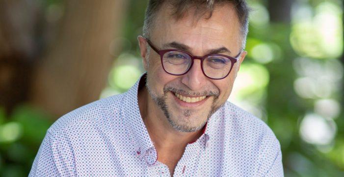 Rafael-José Díaz publica 'De un modo enigmático'