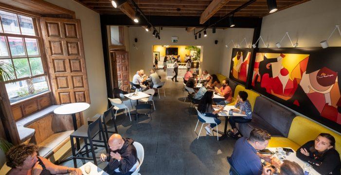 La pastelería David Rodríguez inauguró en la Casa Miranda de Puerto de la Cruz