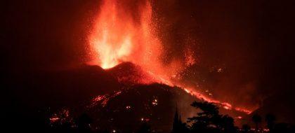 Se abre un nuevo centro eruptivo en el volcán de La Palma