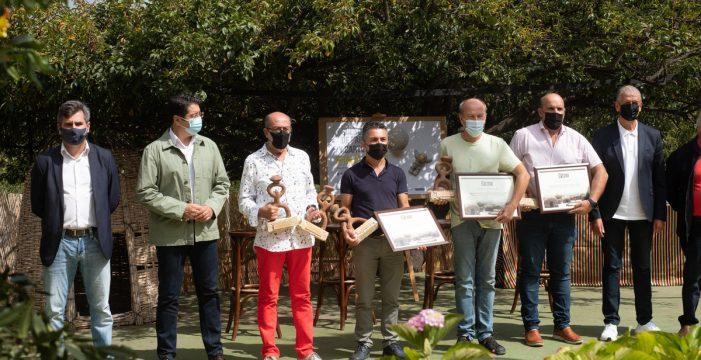 """Linares felicita a los artesanos, """"una especie resiliente que ha tenido poco apoyo el último año"""""""