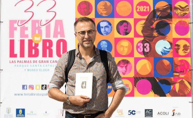 Rafael-José Díaz presenta en París dos libros suyos traducidos al francés