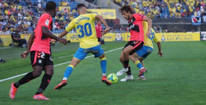 El Tenerife pierde el derbi en el último minuto (2-1)
