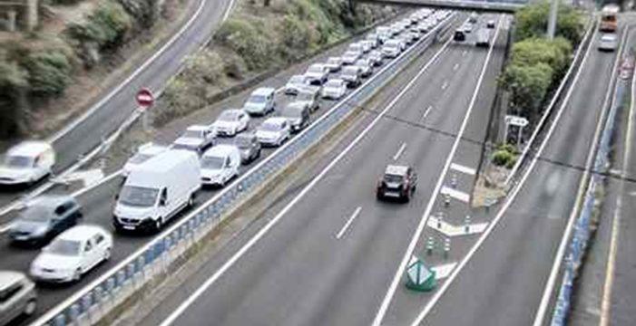 Colas kilométricas en la TF-5 por un accidente a la altura de Santa Úrsula