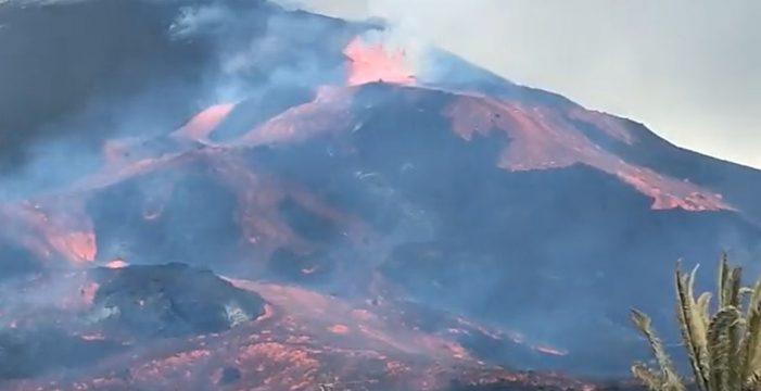 """La deformación del cono provoca una emisión """"enorme"""" de lava hacia la colada primigenia"""