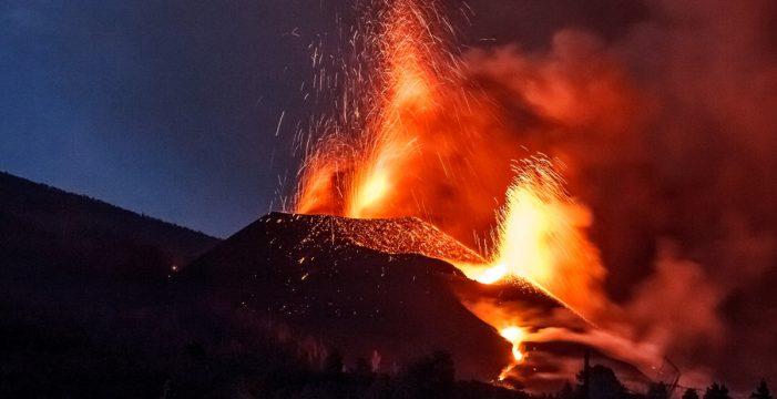 Surge una nueva boca en el volcán de La Palma